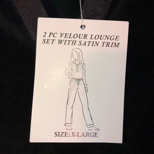 Sarah Spencer Other - Sarah Spencer Velour Lounge Set